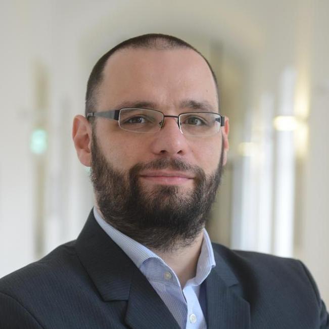 Dobos Gábor