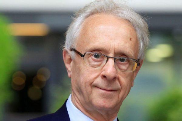 Portrait du philosophe Pierre Manent, professeur de philosophie politique, et directeur d'études à l'École des hautes études en sciences sociales.