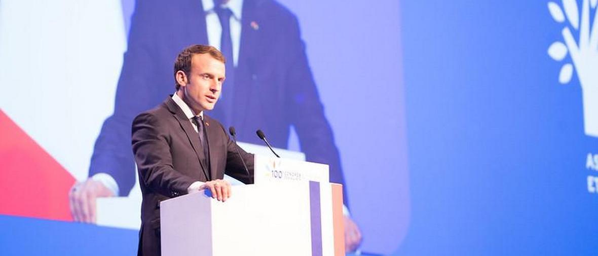 Macron_kész