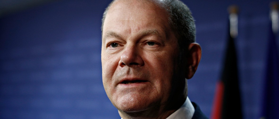 Brussels, Belgium. 25th May 2018.German finance minister, Olaf Scholz talks to media at the results of European Union's finance ministers meeting at the European Council .