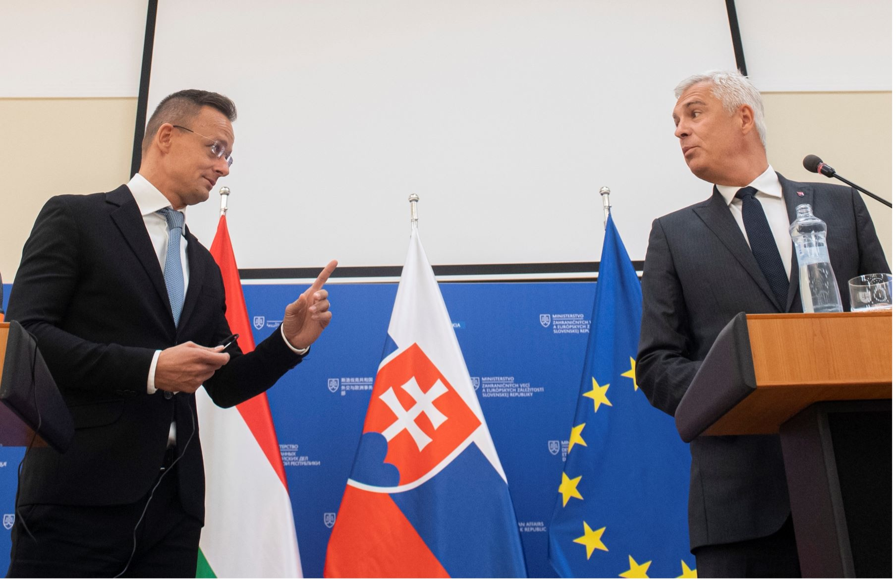 magyar-szlovak-v4